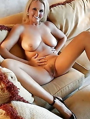 Sexy-shaped older bitches are fingering their pussy