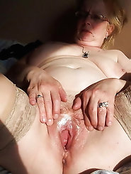 Glamorous mademoiselles get her twat drilled