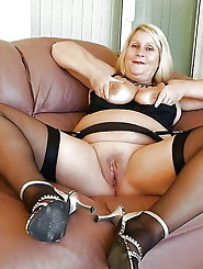 Insatiable mature milf is playing alone