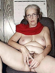 Mature grannies are getting pleasure on pix