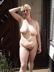 Explosive mature milf wants to tease you