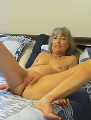 Grannies love to give blow jobs