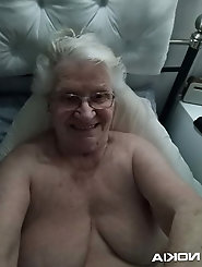 Fantastical older gilf with sloppy pussy